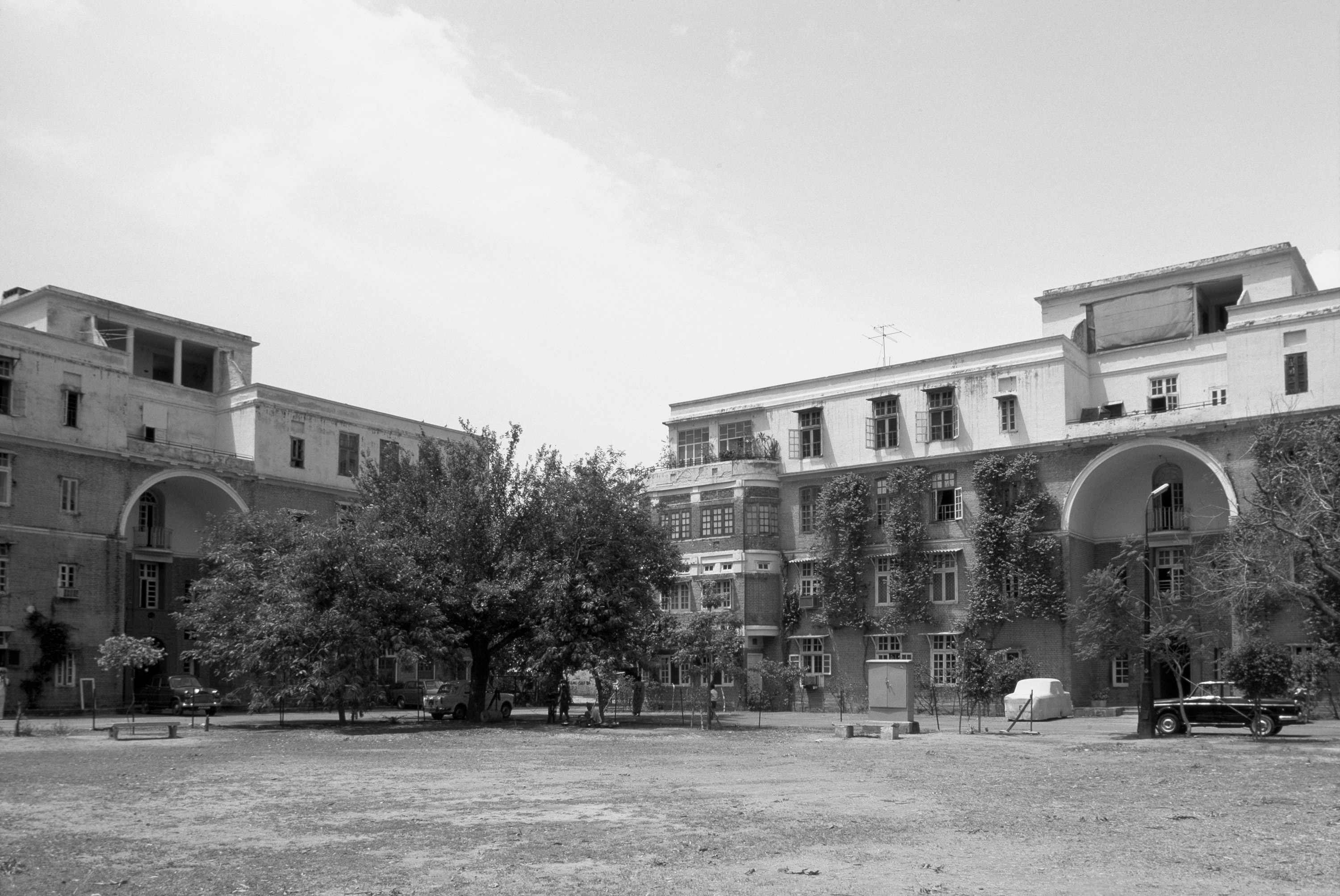 A journey of 100 years of Architecture in India | Part 01 - 1945 Sujan Singh Park Complex, New Delhi