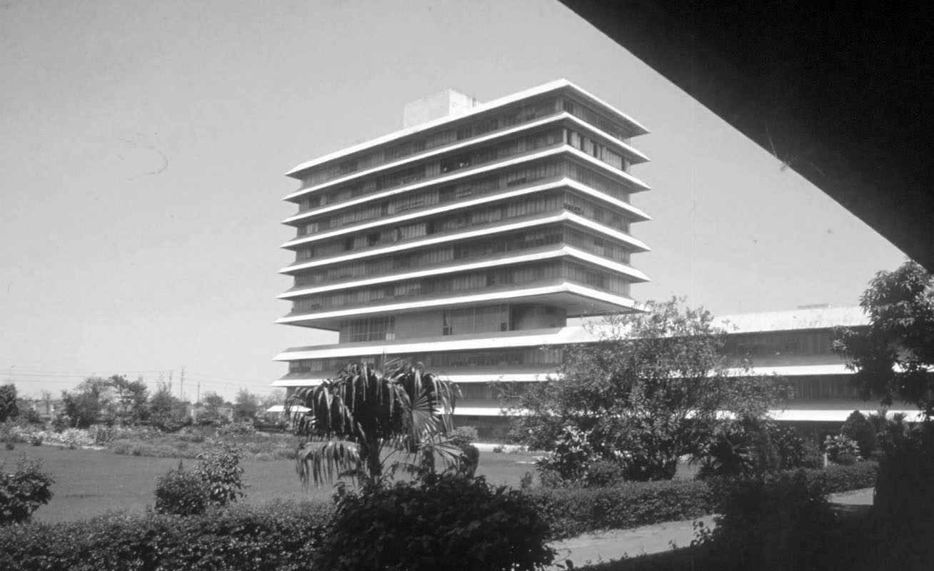 A journey of 100 years of Architecture in India | Part 02 - 1963-67 Administrative Building H M T Limited, Hyderabad