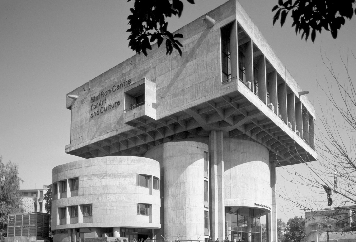 A journey of 100 years of Architecture in India | Part 02 - 1966-69 Shri Ram Centre