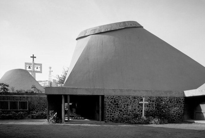 A journey of 100 years of Architecture in India | Part 02 - 1974-77 The Salvacao Church Mumbai