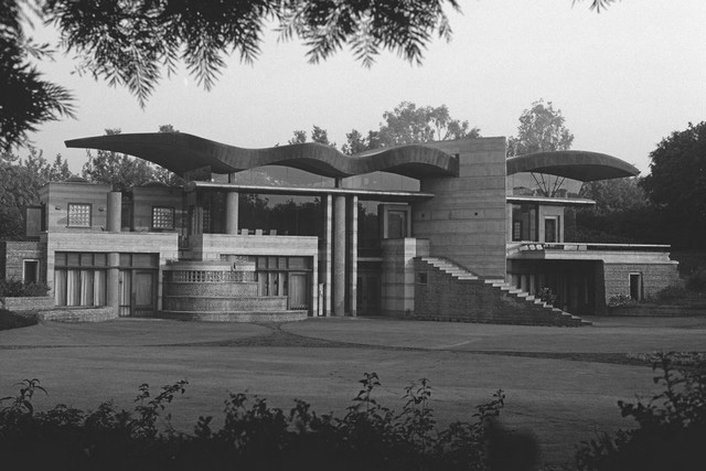 A journey of 100 years of Architecture in India | Part 04 - 1990-97 Poddar Residence, New Delhi
