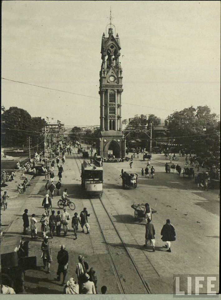 Delhi Now & Then - See how Delhi has changed through CENTURIES. This Is Amazing.! - Delhi road with Watch Tower