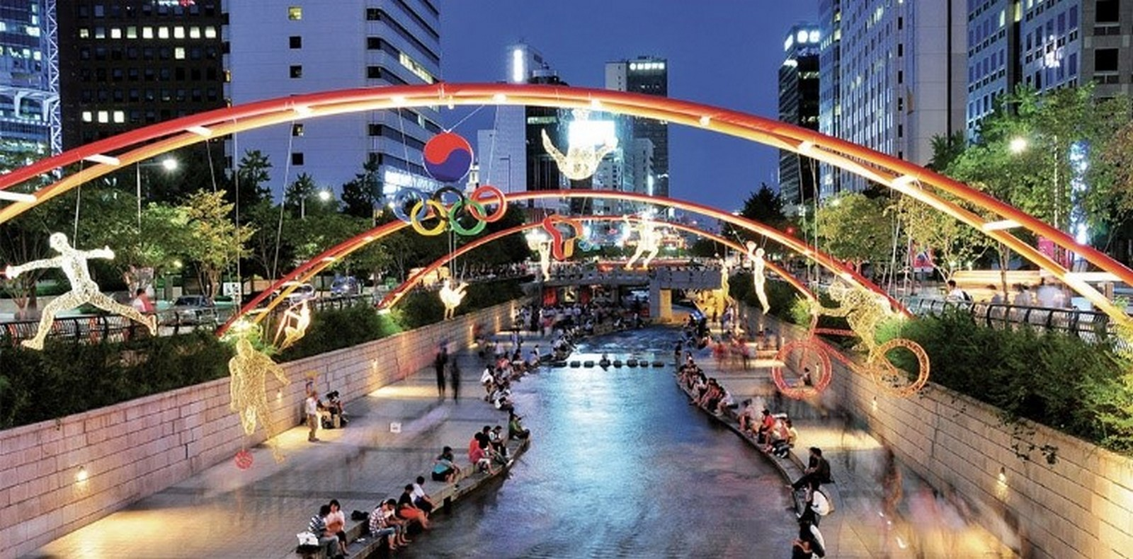 Evolution of Public Spaces in Contemporary Urban Life - Sheet4