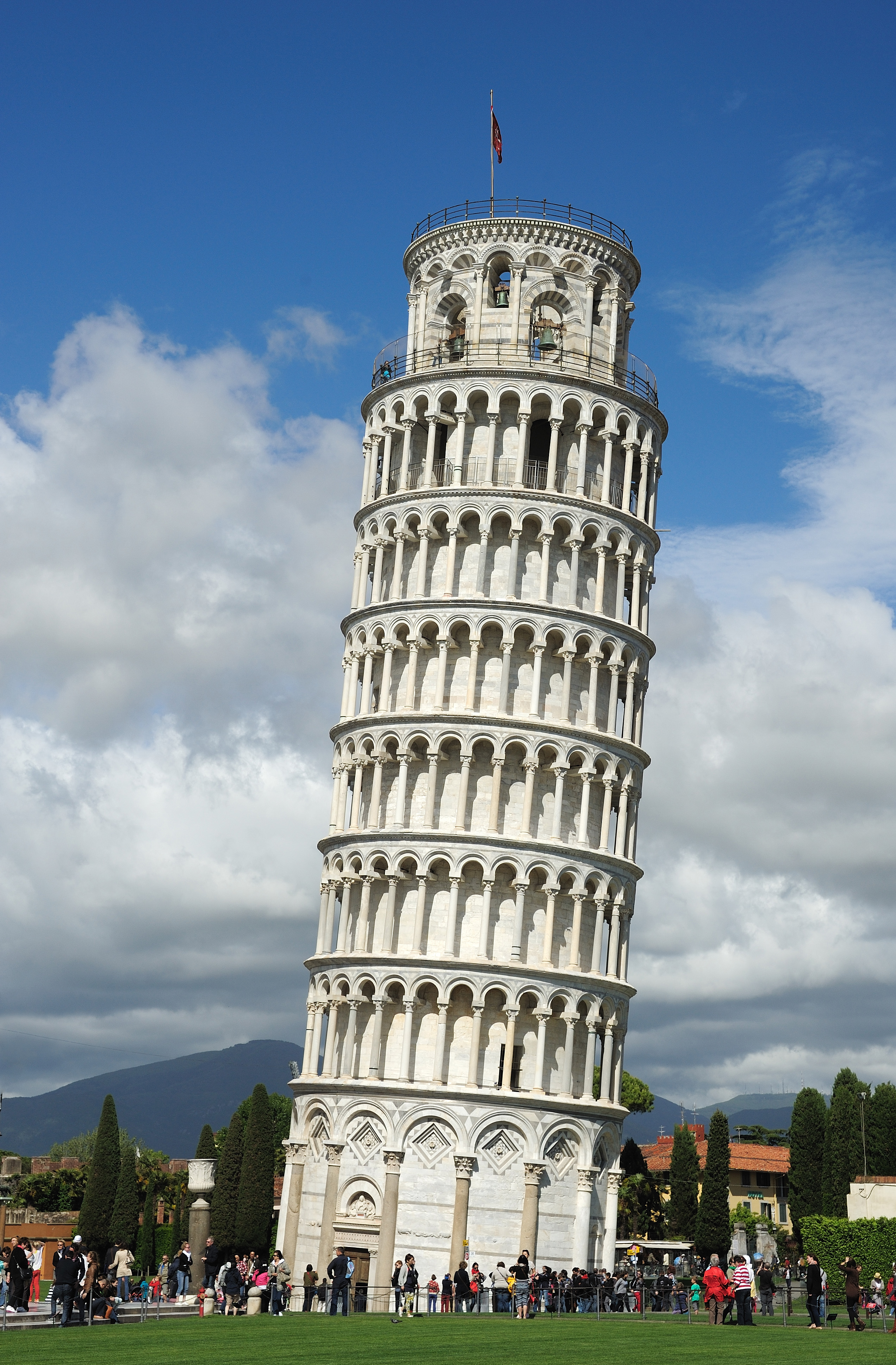 20 Buildings in Europe Every Architect must visit - Leaning Tower Of Pisa, Pisa, Italy
