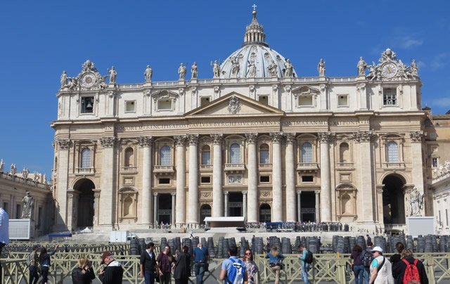 20 Buildings in Europe Every Architect must visit - St. Peter's Basilica, Vatican city, Rome