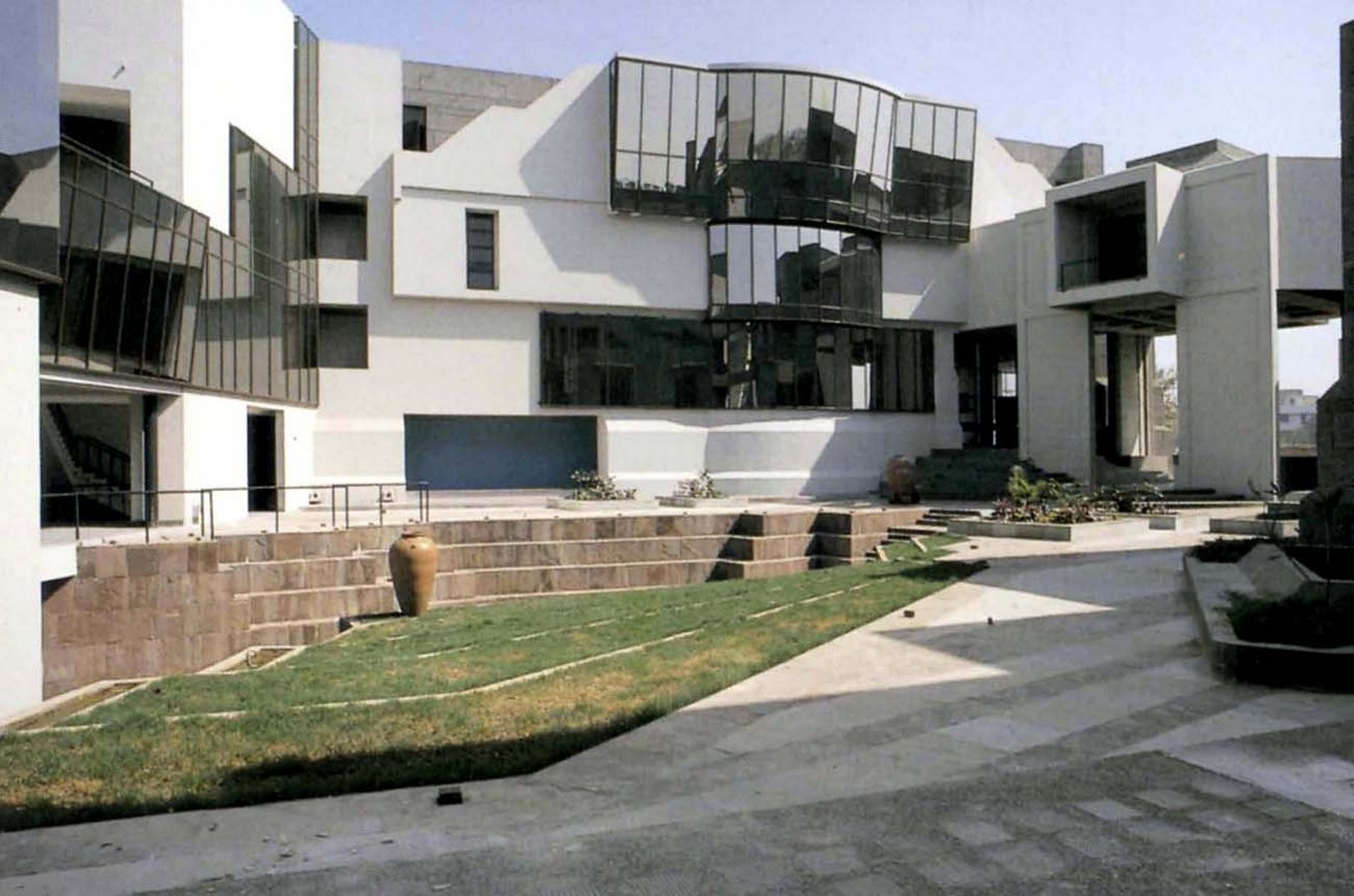 View of the exterior - National Institute of Fashion Technology
