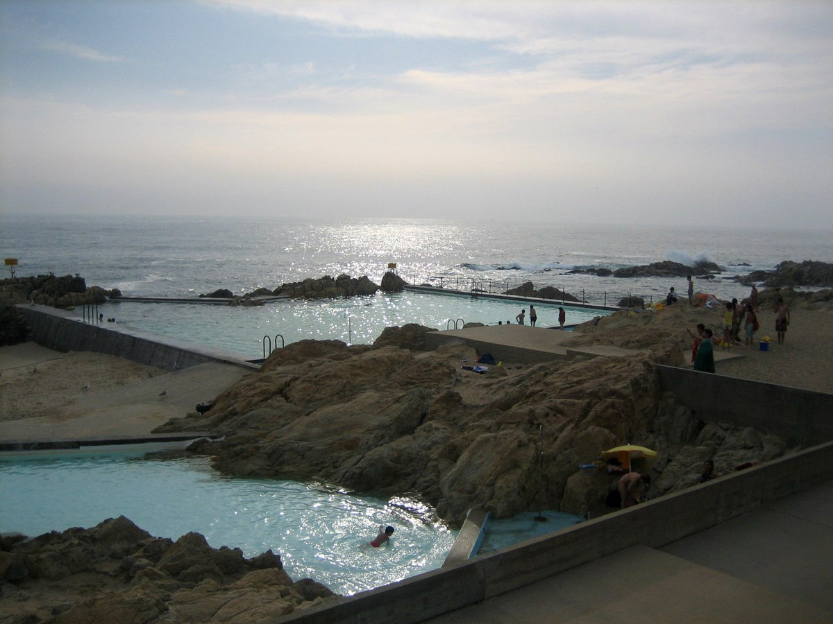 A305 - 15 Top works of Alvaro Siza - Leca Swimming Pools