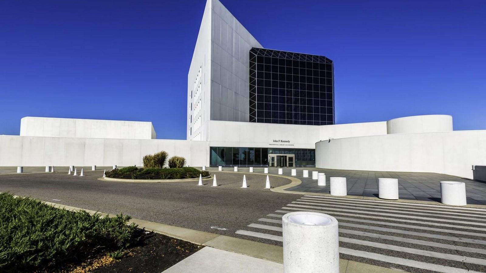 A306 - Boston Architecture - JFK PUBLIC LIBRARY_Image1