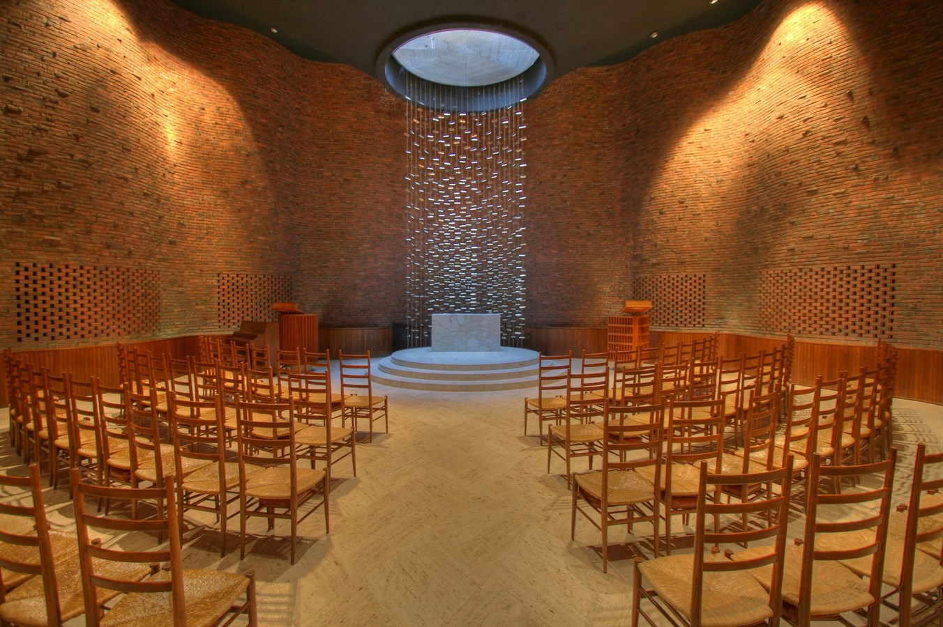 25 Most Iconic Structures In Boston - MIT CHAPEL - Sheet1
